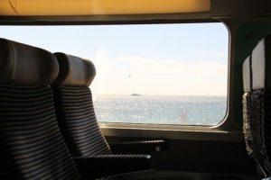 電車の車内