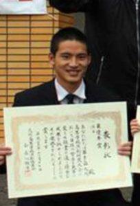 卒業式の岡田健史