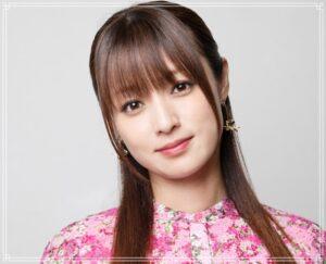 微笑む深田恭子