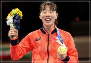 金メダルを獲得した笑顔の入江選手